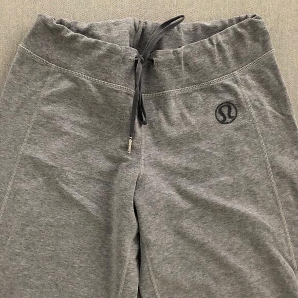 Lululemon Gray Sweats in Cotton Gray Size 4